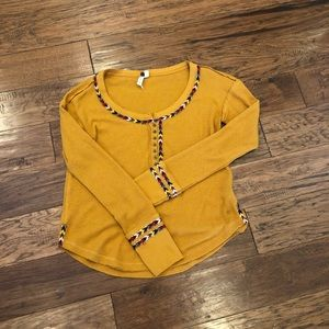 Free people top size small perfect for fall!